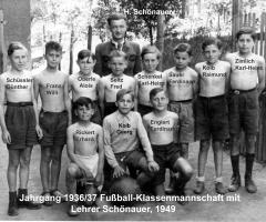 JG 1936/37 Fussball-Elf 1949 mit Lehrer Schönauer