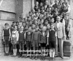 JG 1937/38 Schuljahrgang mit Lehrer Ulrich 1950