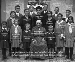 Appelmann Nannchen mit Enkel 1928