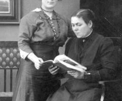 Hesele Barbara mit Tochter Anna 1920 Fischergasse 28