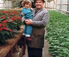 Syndikus Uropa Willi mit Enkelin Anna
