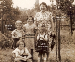 Wyremba Frieda mit Kinder 1954