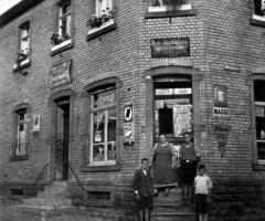 Bäckerei Wirtschaft u. Kolonialwaren Giegerich um 1933