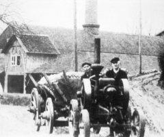 Kunkel Adolf und Wei  Kunkel mit Traktor 1928