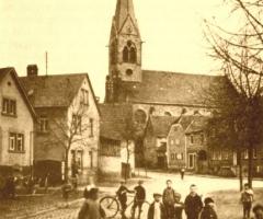 Marienstr Altes Kriegerdenkmal Schulkinder